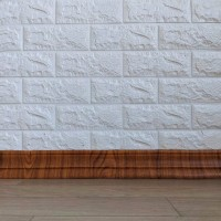 Самоклеючий гнучкий плінтус (багет) золотий дуб 2400х80мм